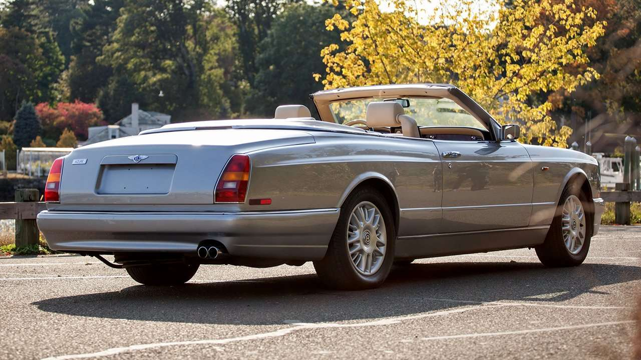Bentley Azure фото сзади
