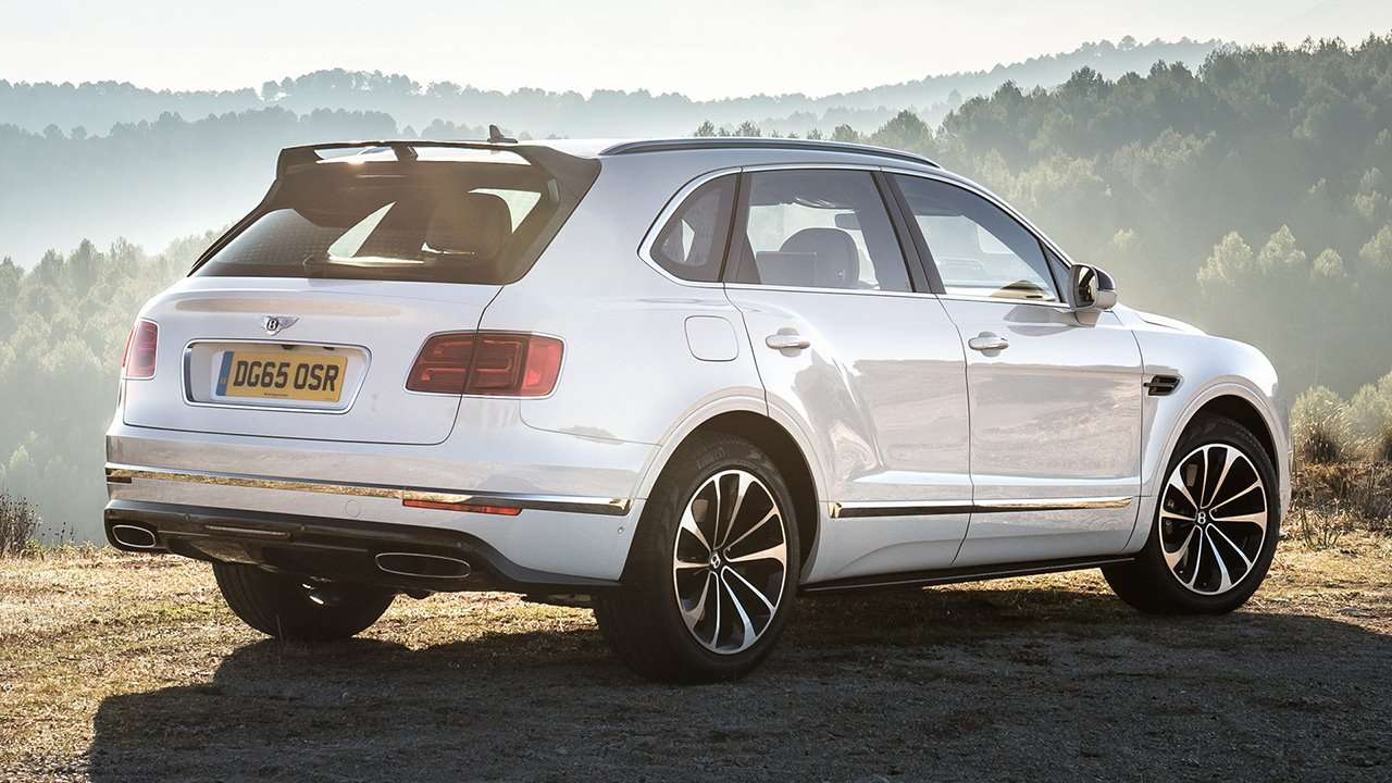 Bentley Bentayga 2016-2017 фото сзади