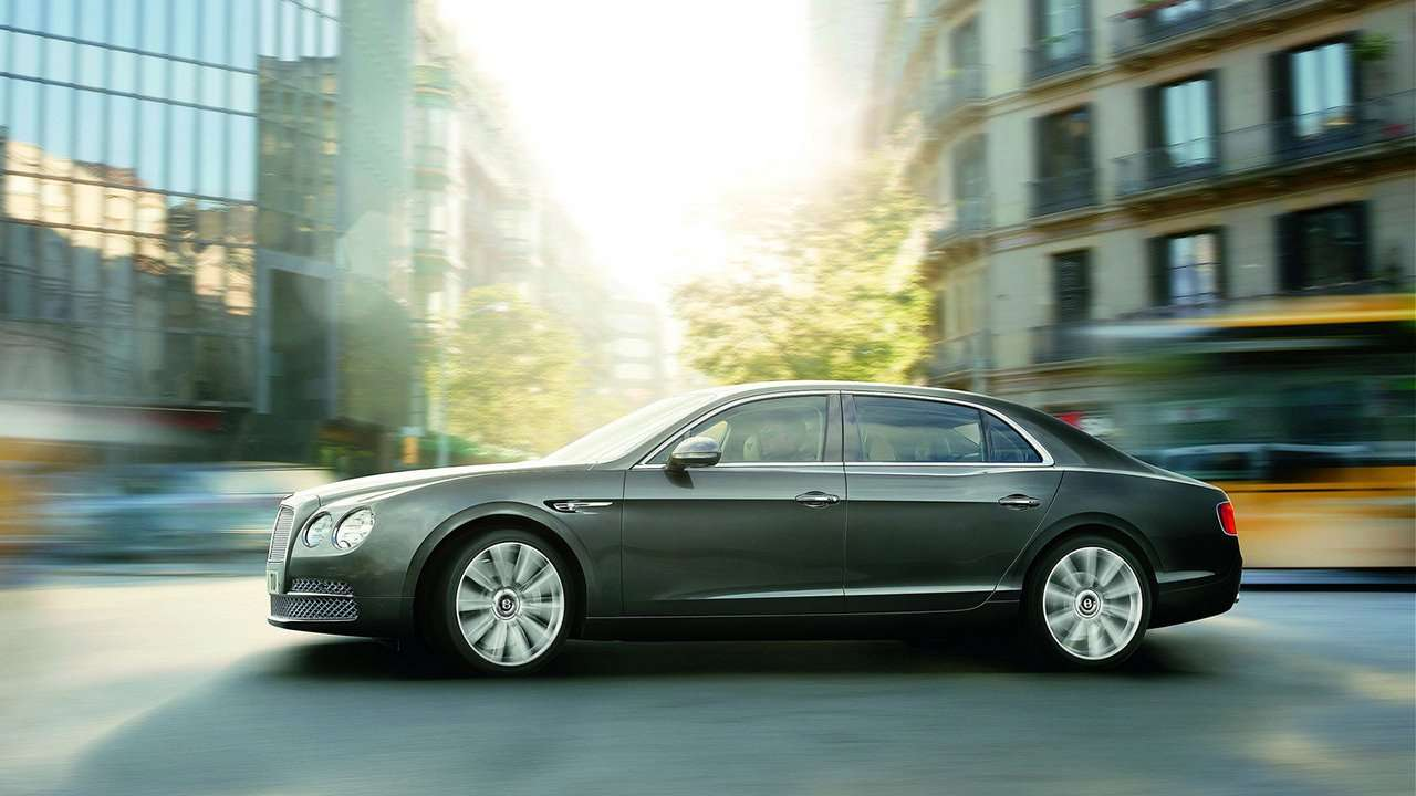 Bentley Continental Flying Spur фото сбоку