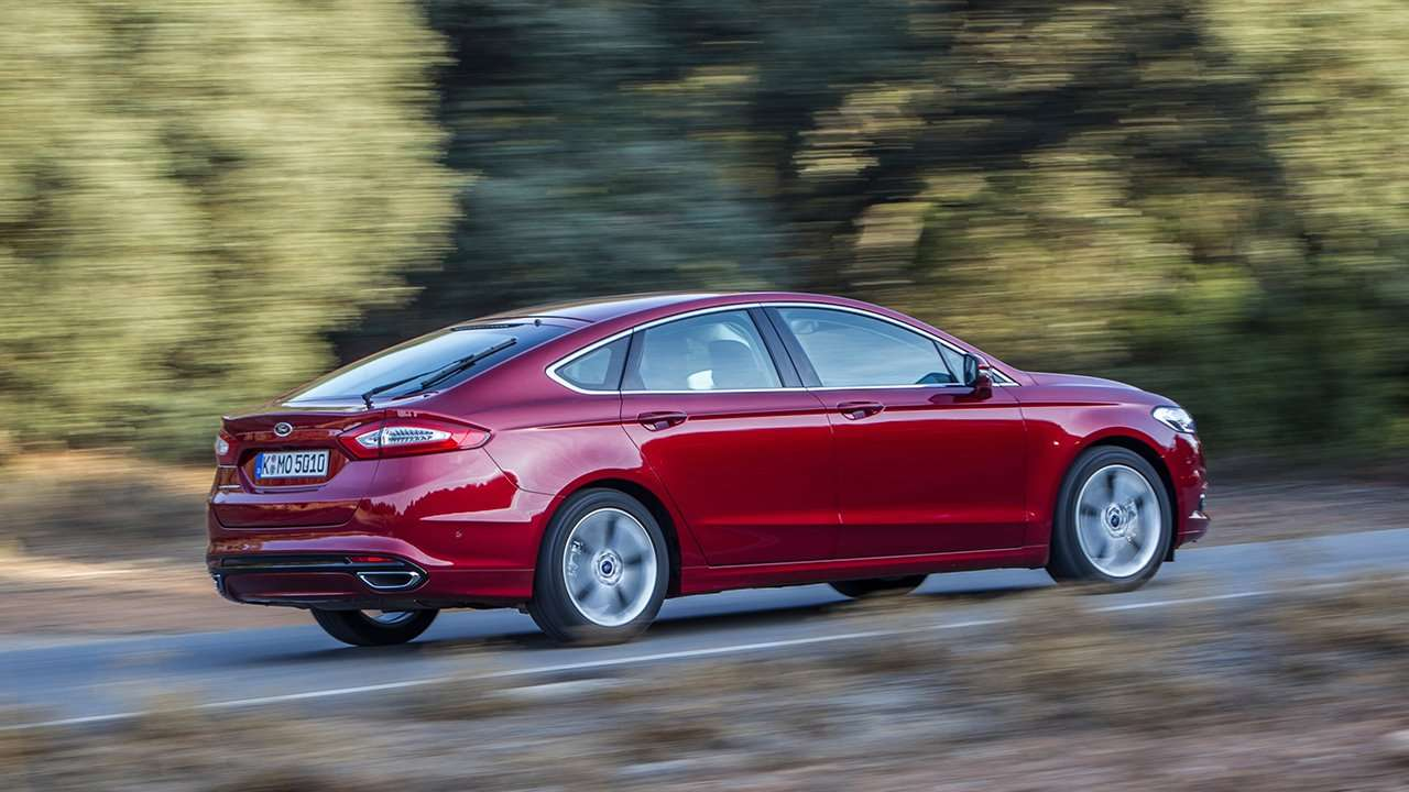 Ford Mondeo 2016 фото сзади