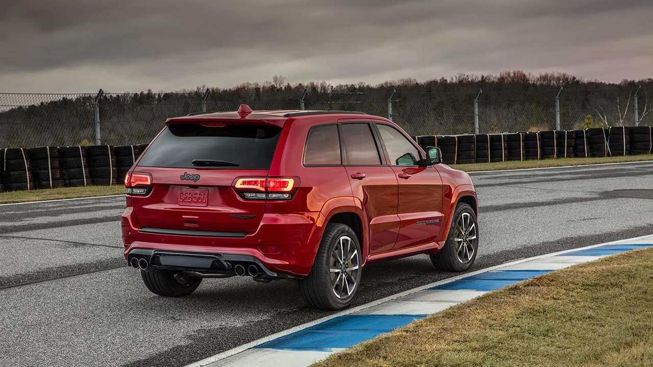 Jeep Grand Cherokee SRT8 2016-2017 WK2 фото сзади