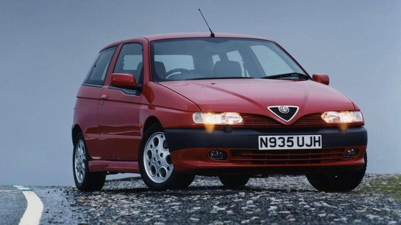 Alfa Romeo 145 фото спереди