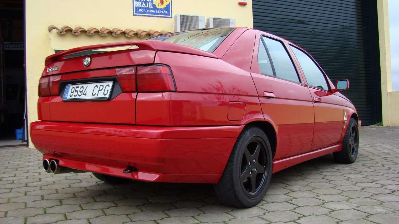 Alfa Romeo 155 фото сзади