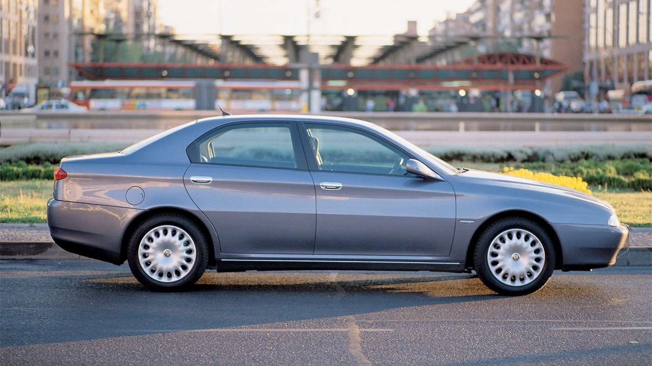 Боковая часть Alfa Romeo 166