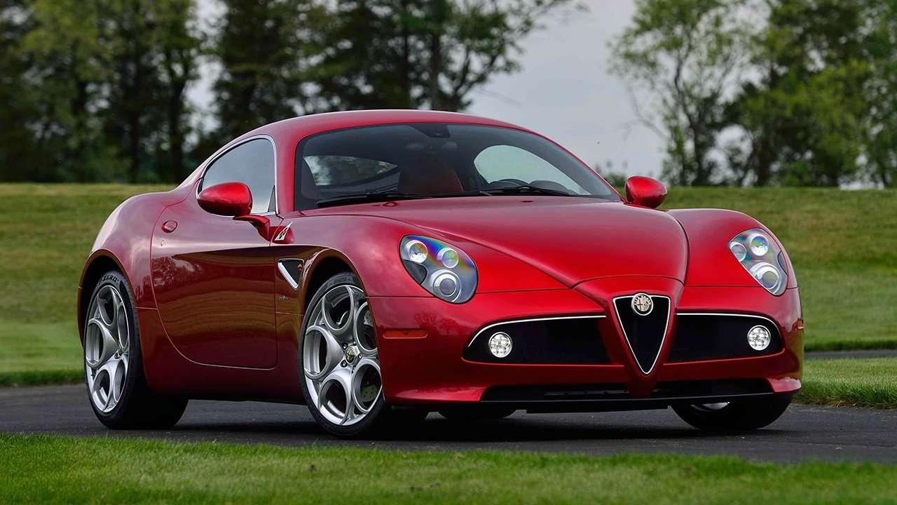 Alfa Romeo 8C Competizione фото спереди