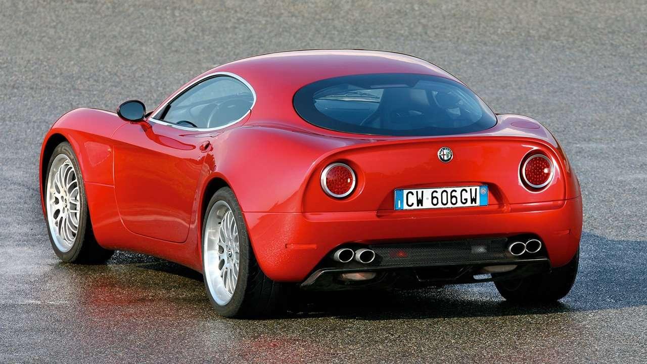 Alfa Romeo 8C Competizione фото сзади