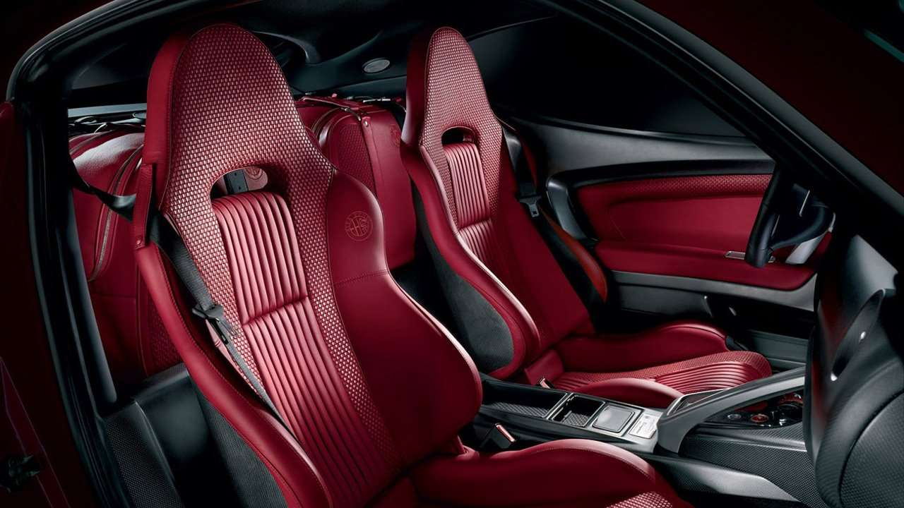 Сиденья Alfa Romeo 8C Competizione