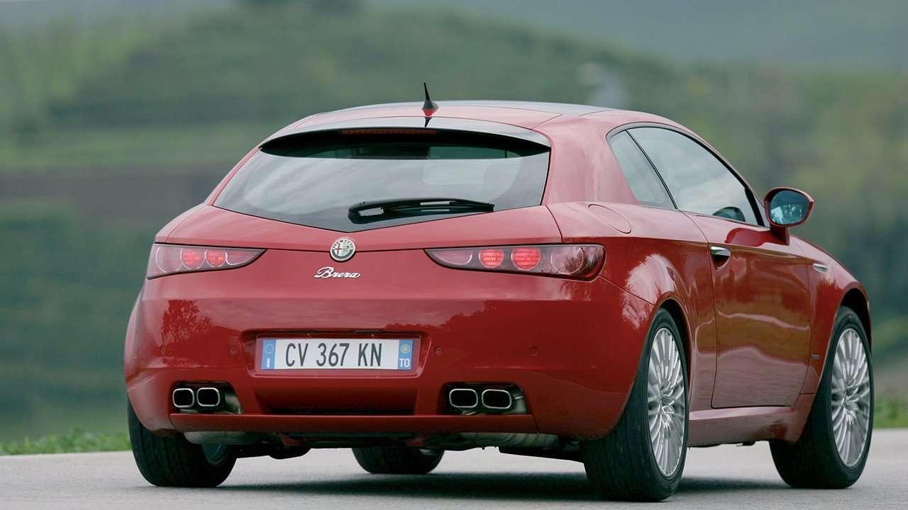 Alfa Romeo Brera фото сзади