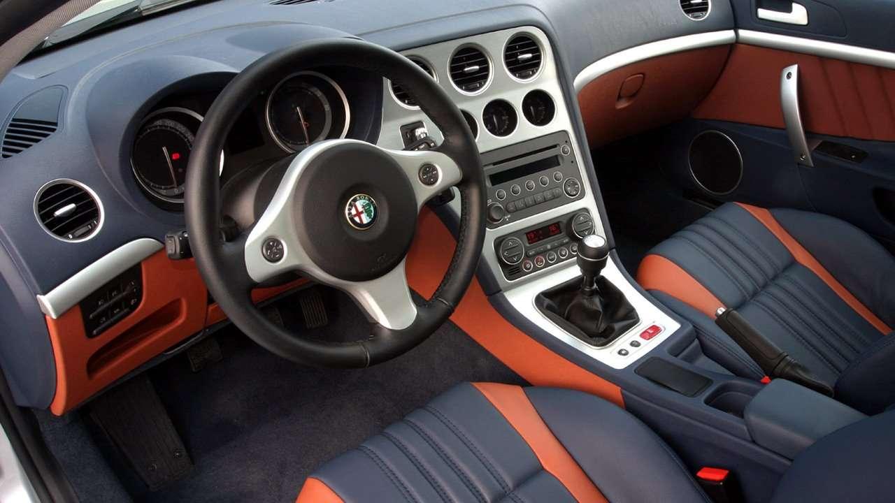 Alfa Romeo Brera фото салона