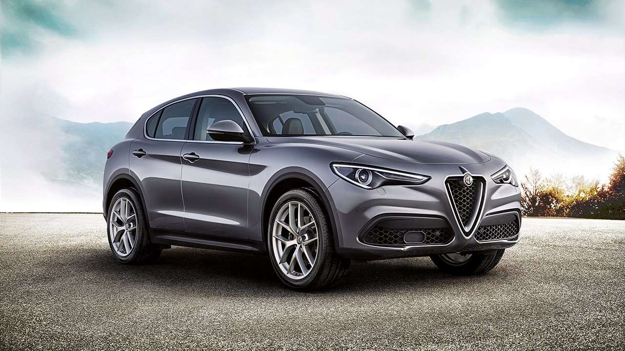 Alfa Romeo Stelvio 2020-2021 фото спереди