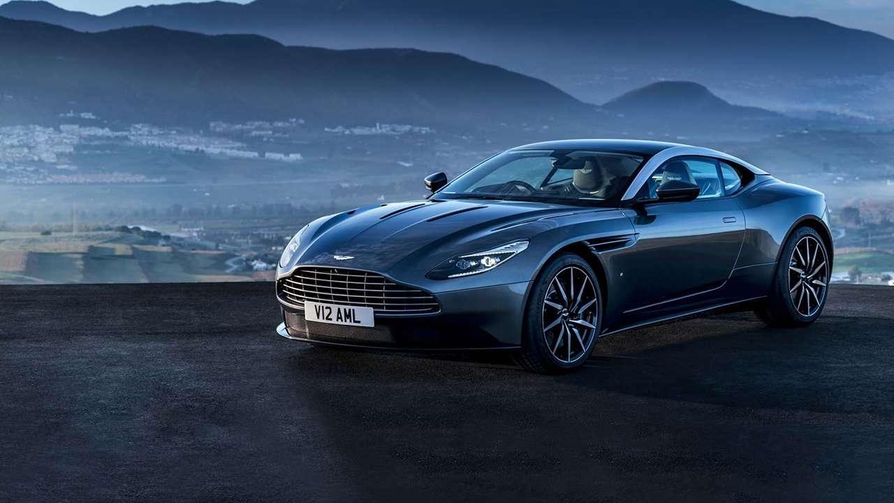 Aston Martin DB11 2020-2021 фото спереди
