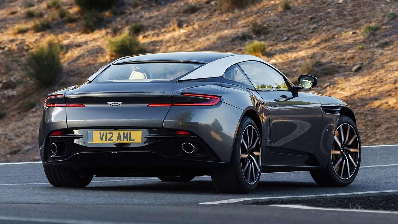 Aston Martin DB11 2020-2021 фото сзади
