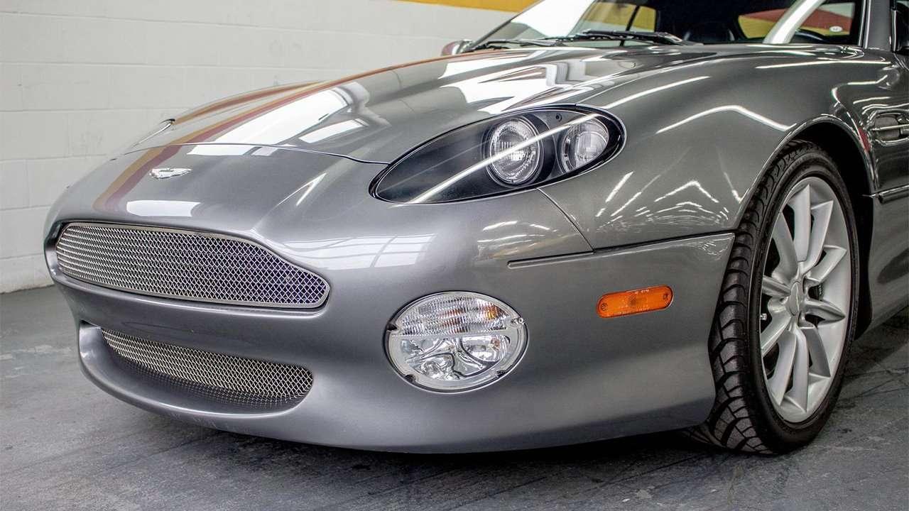 Передняя часть Aston Martin DB7