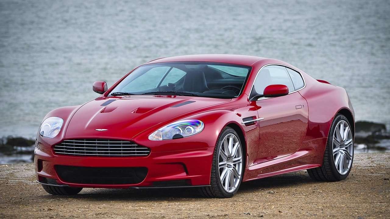 Aston Martin DBS фото спереди