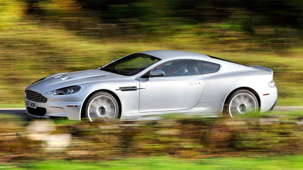 Боковая часть Aston Martin DBS