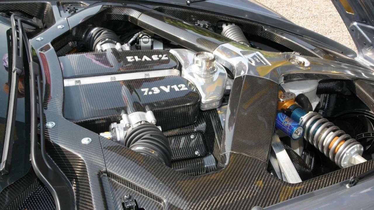 Фото двигателя Астон Мартин Ван-77