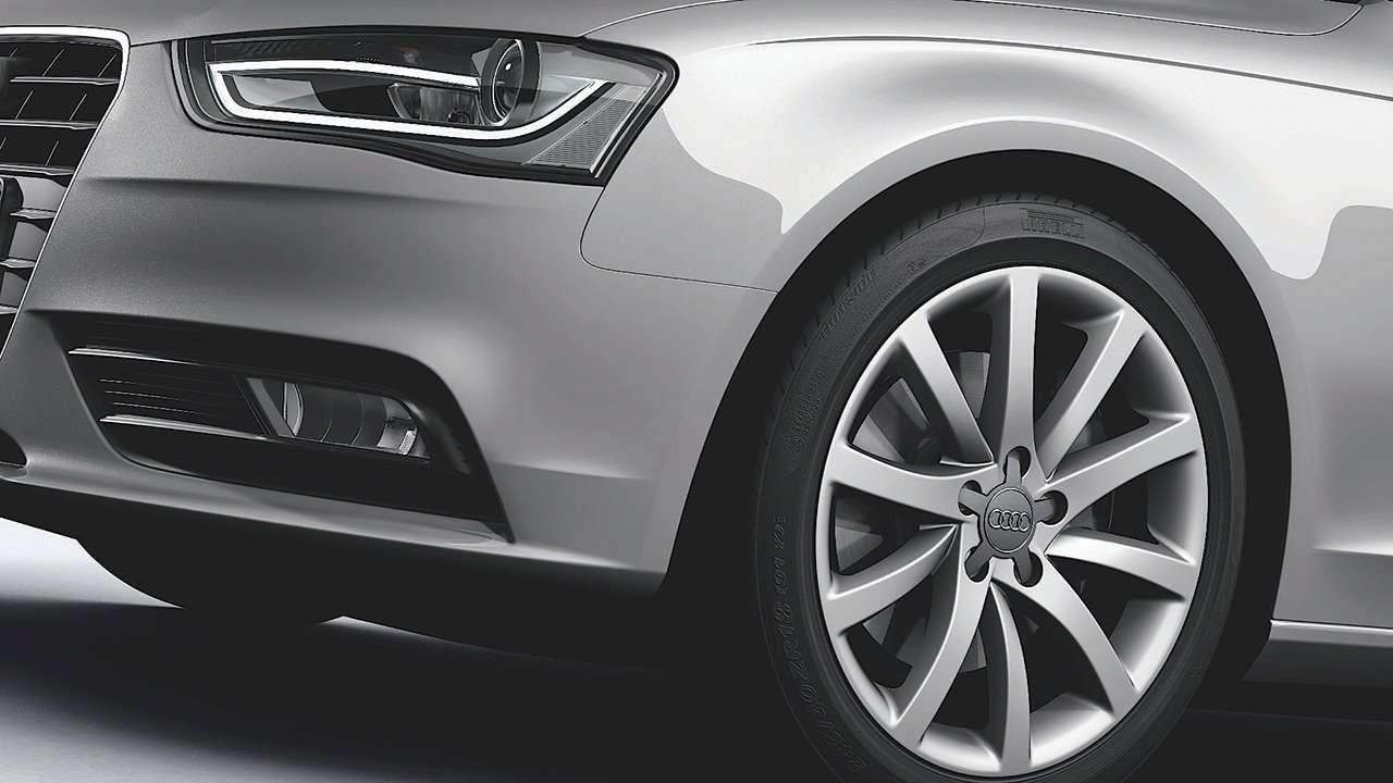 Задняя оптика Audi A4 B8