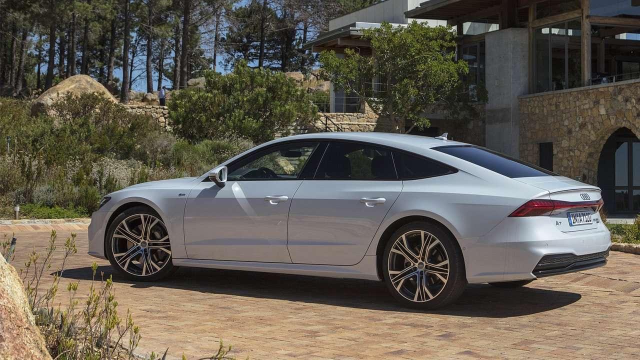 Белая Audi