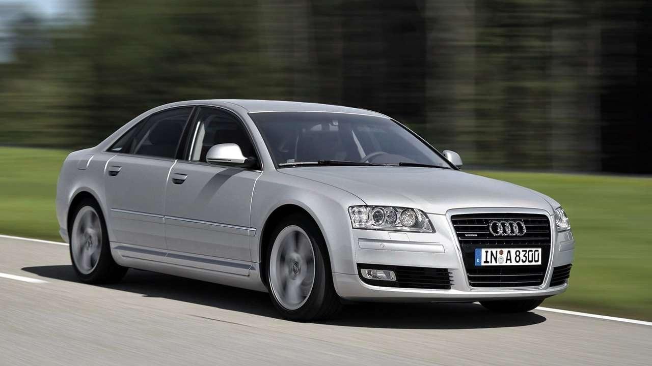 Audi A8 D3 фото спереди