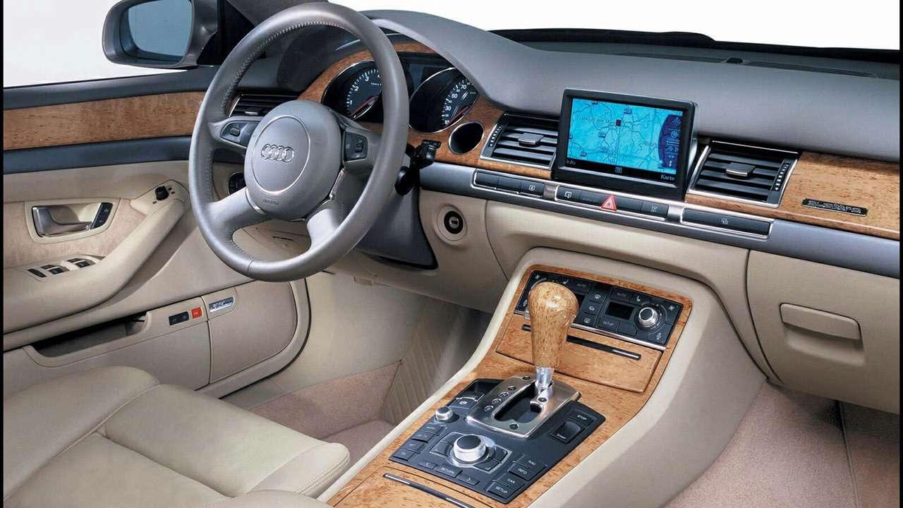 Audi A8 D3 салон модели
