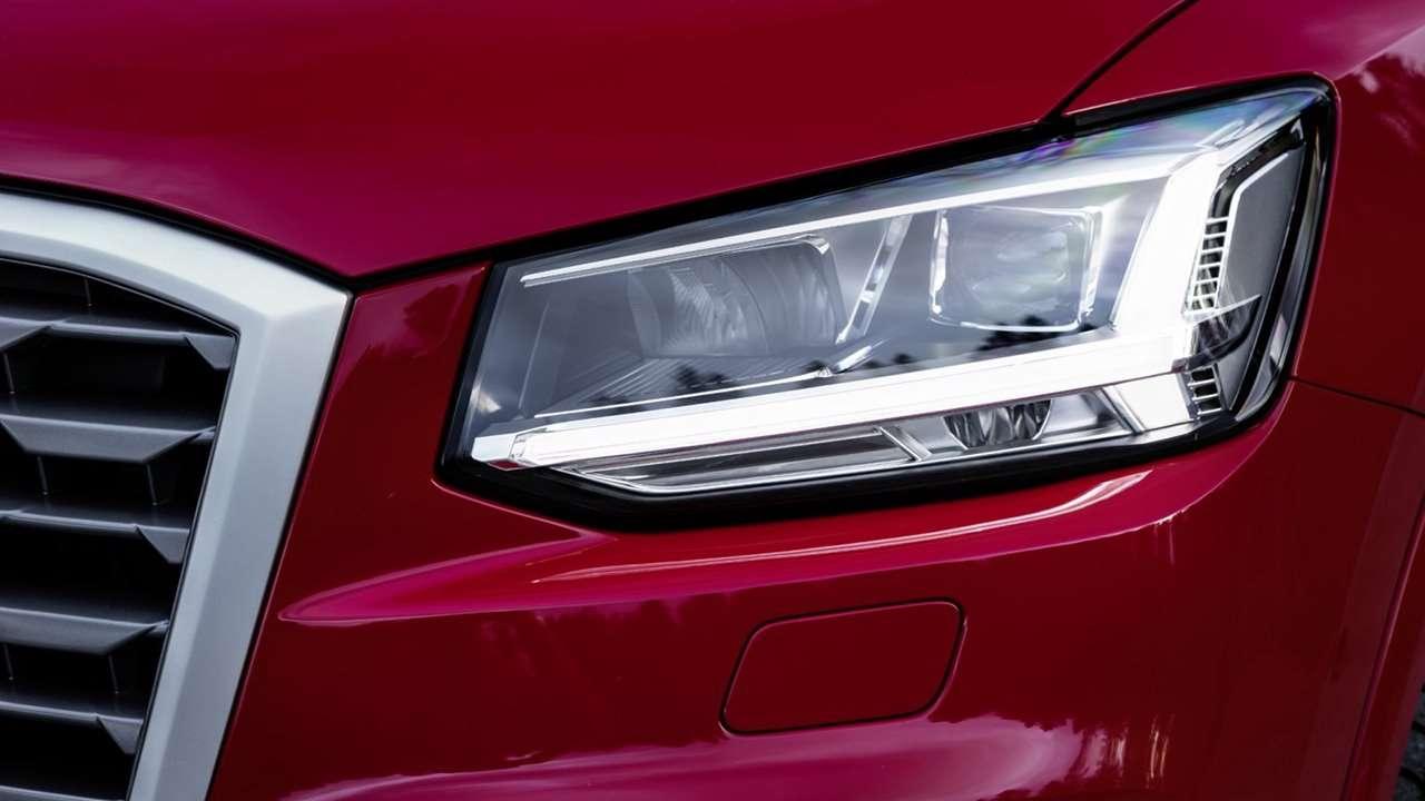 Audi Q2 2020-2021 передняя фара
