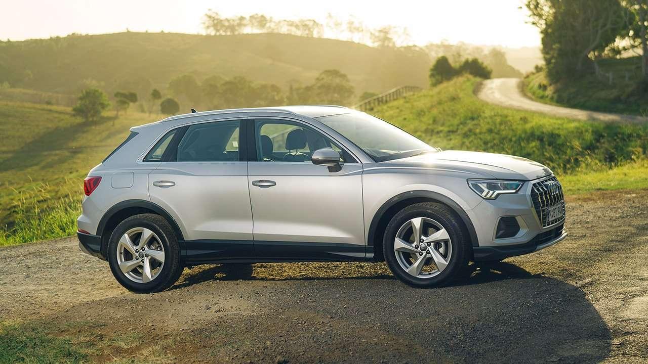 Фото нового Audi Q3 сбоку