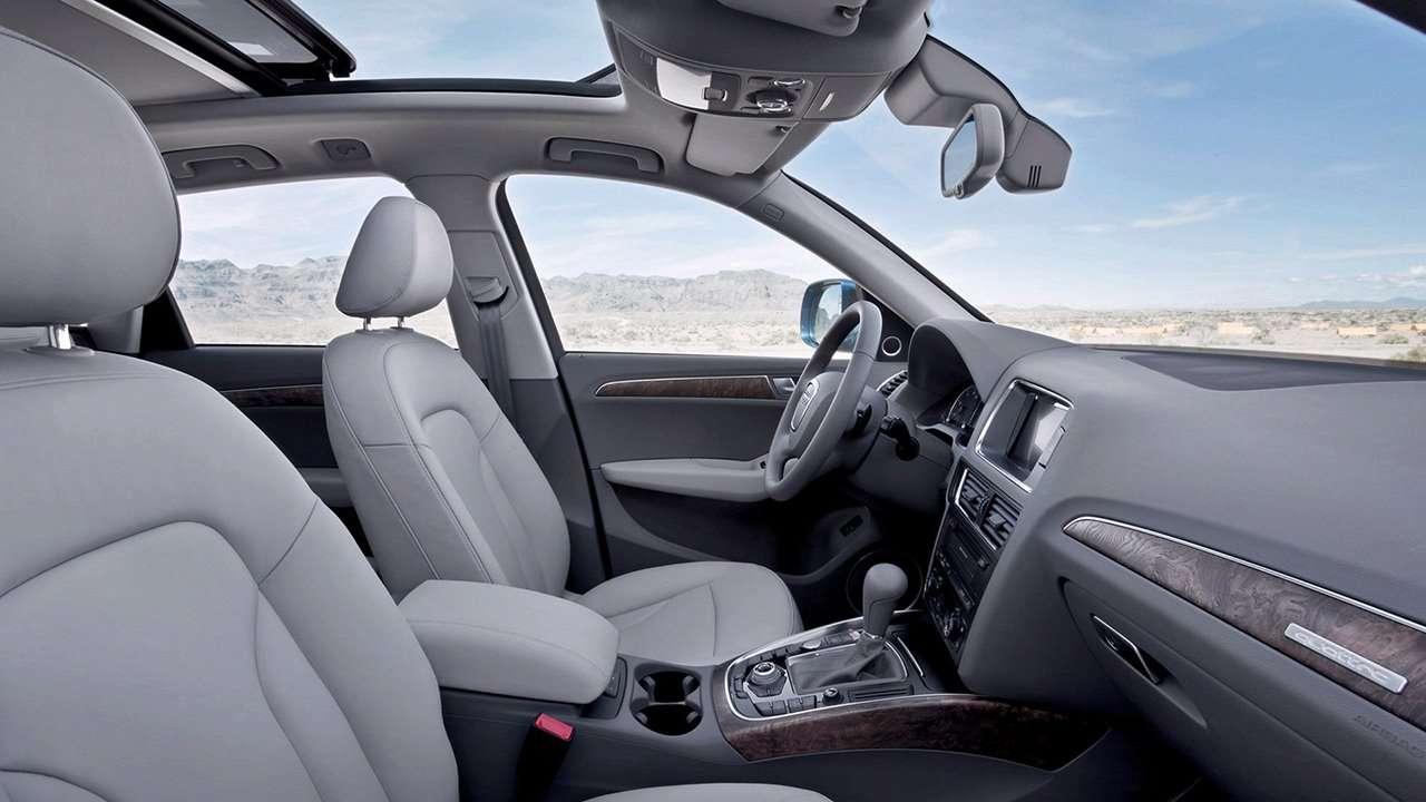 Audi Q5 2016 сиденья спереди