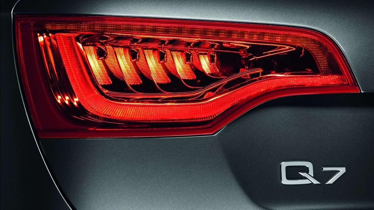 Audi Q7 (2007-2015) фото задней фары