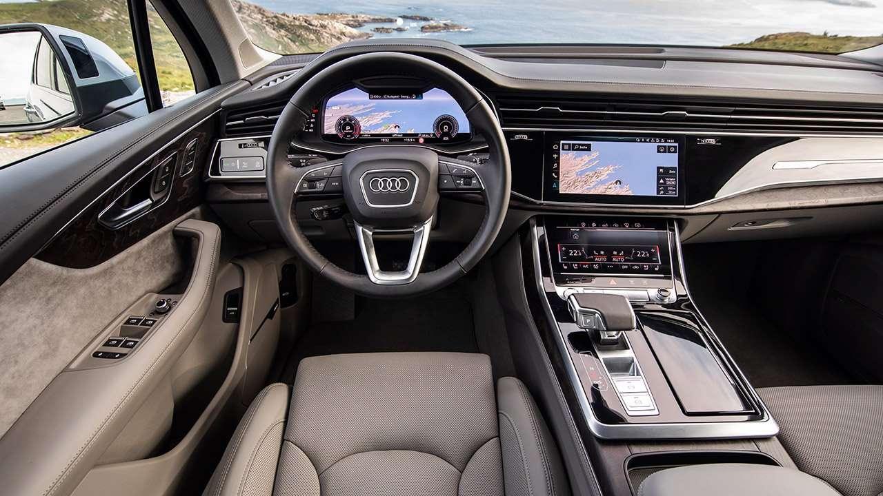 Салон Audi Q7 2020-2021
