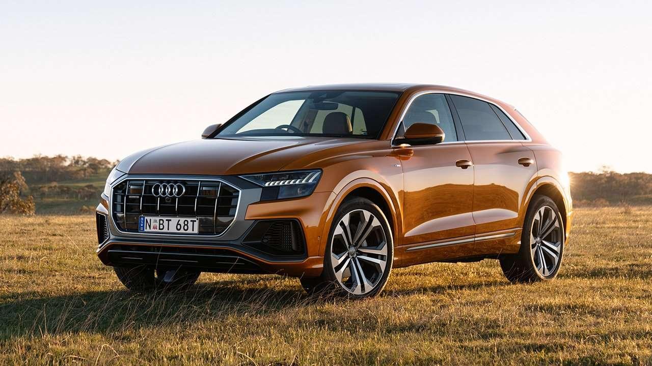 Audi Q8 2020-2021 фото спереди
