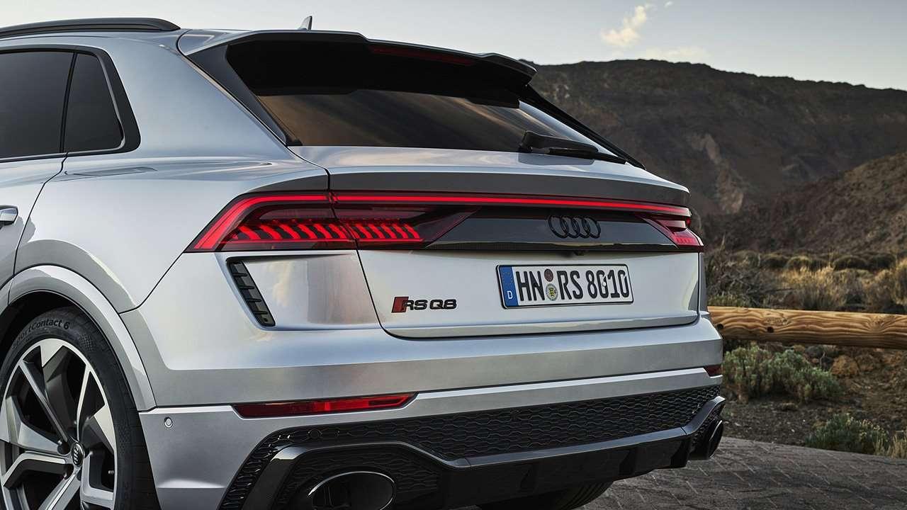 Задняя часть Audi RS Q8