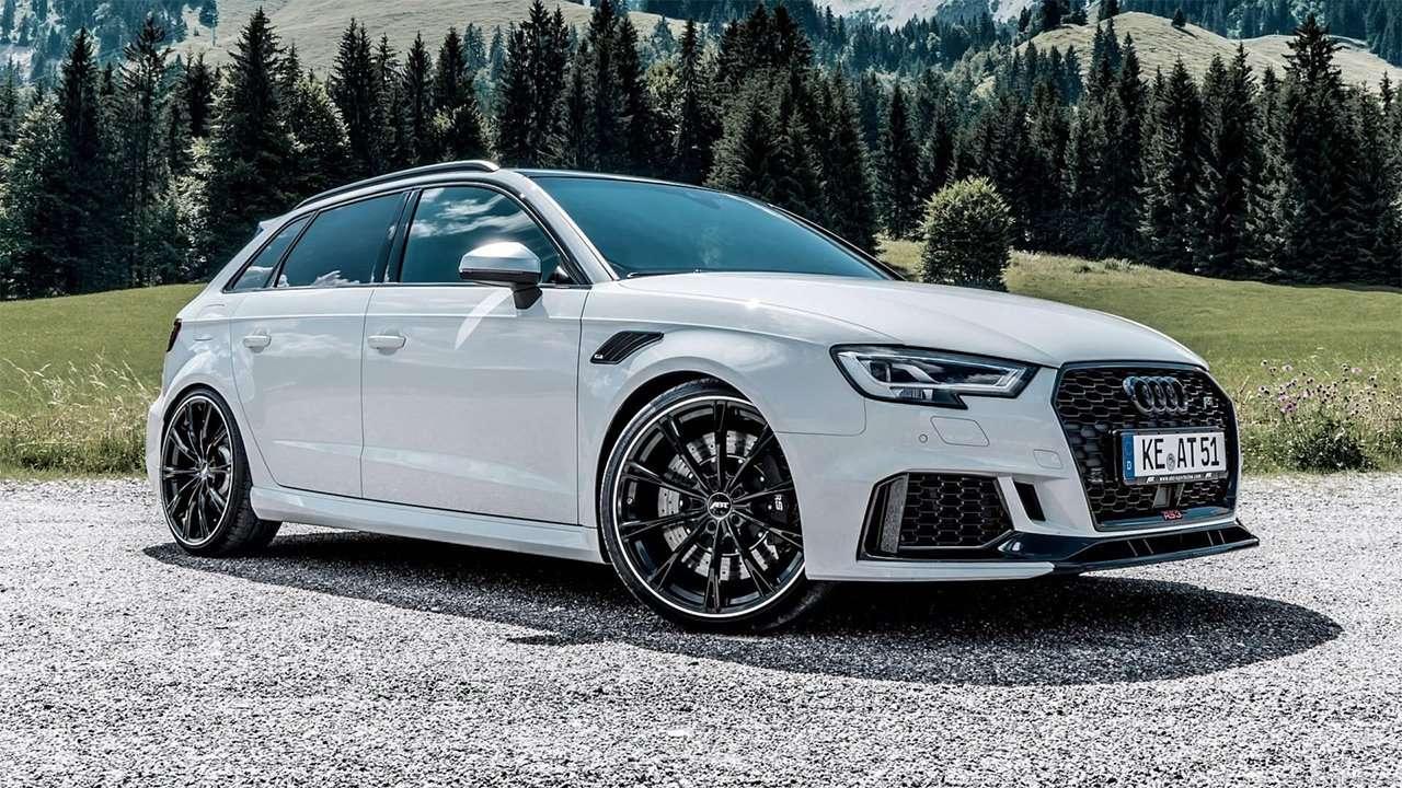 Фото белого Audi RS3 Sportback 2018-2019