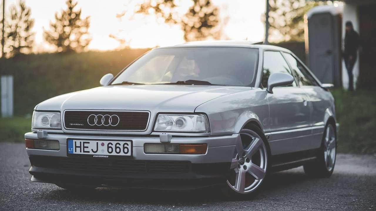 Audi S2 Coupe фото спереди