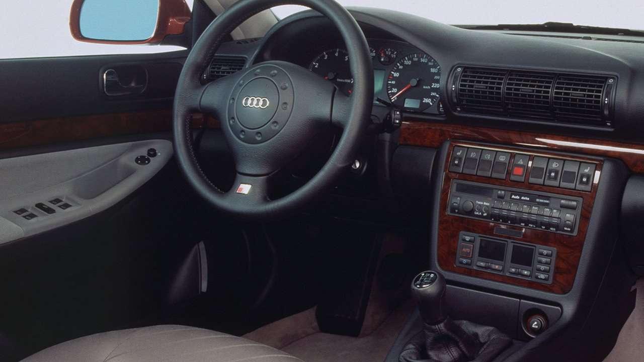 Audi S4 B5 салон
