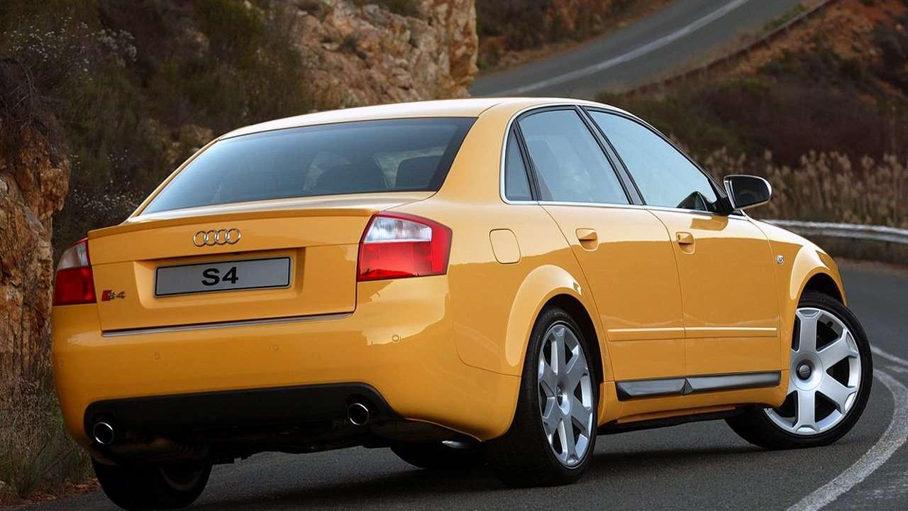 Audi S4 B6 фото спереди