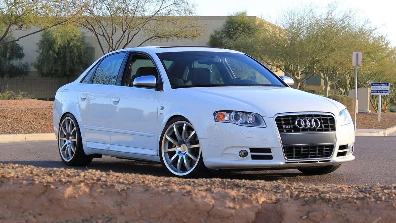 Audi S4 B7 фото спереди