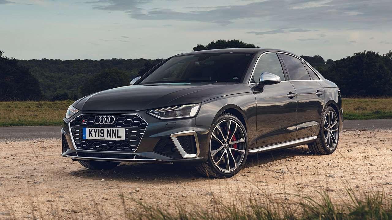 Audi S4 2020-2021 фото спереди