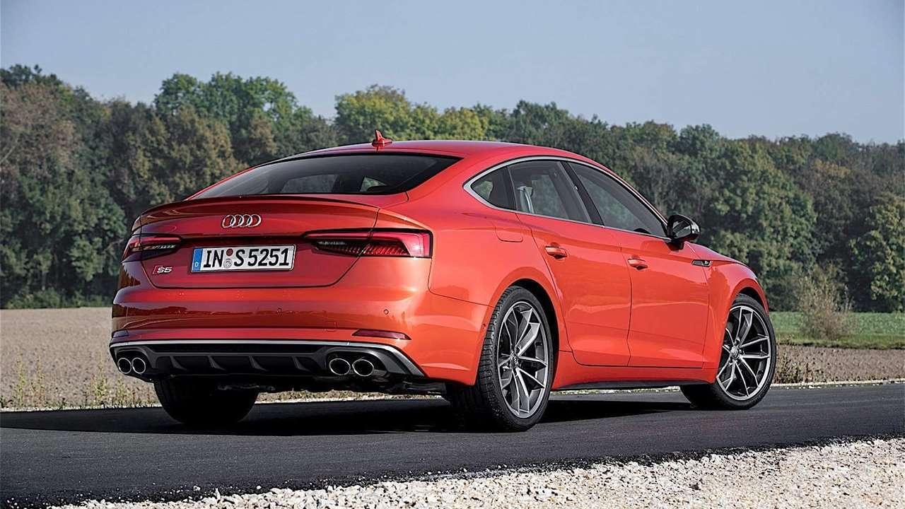 Audi S5 Sportback фото сзади