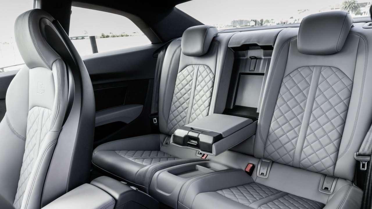 Задние сиденья Audi S5