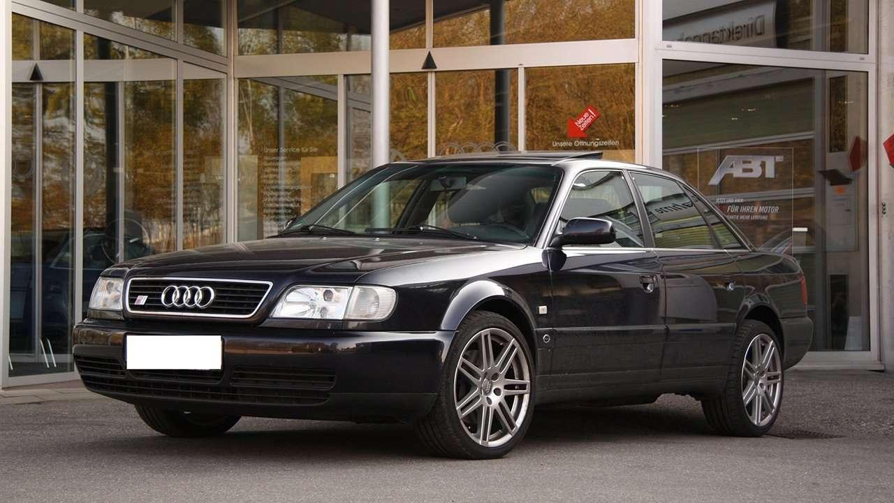 Audi S6 C4 фото спереди