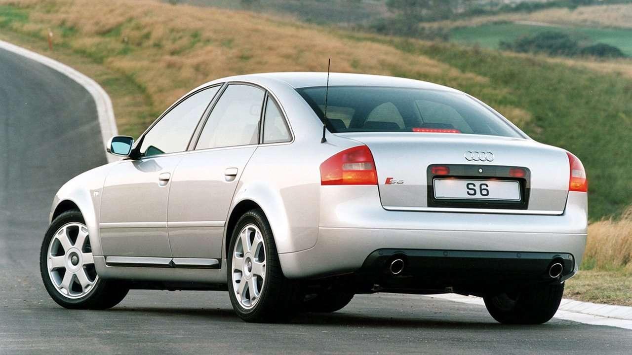 Audi S6 C5 фото сзади