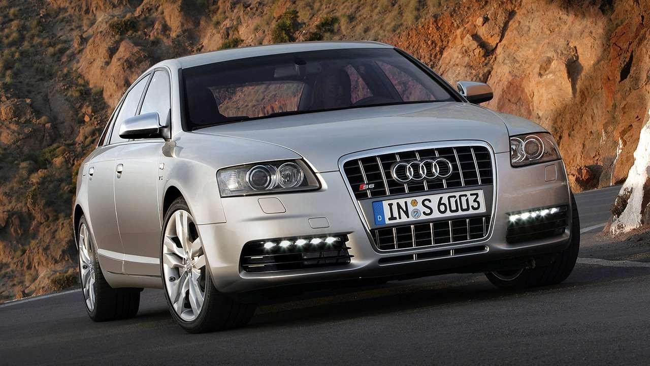 Audi S6 C6 фото спереди