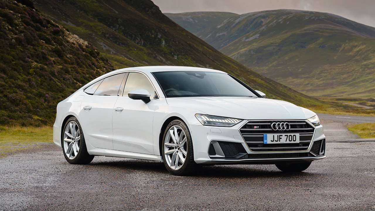 Audi S7 2020-2021 фото спереди