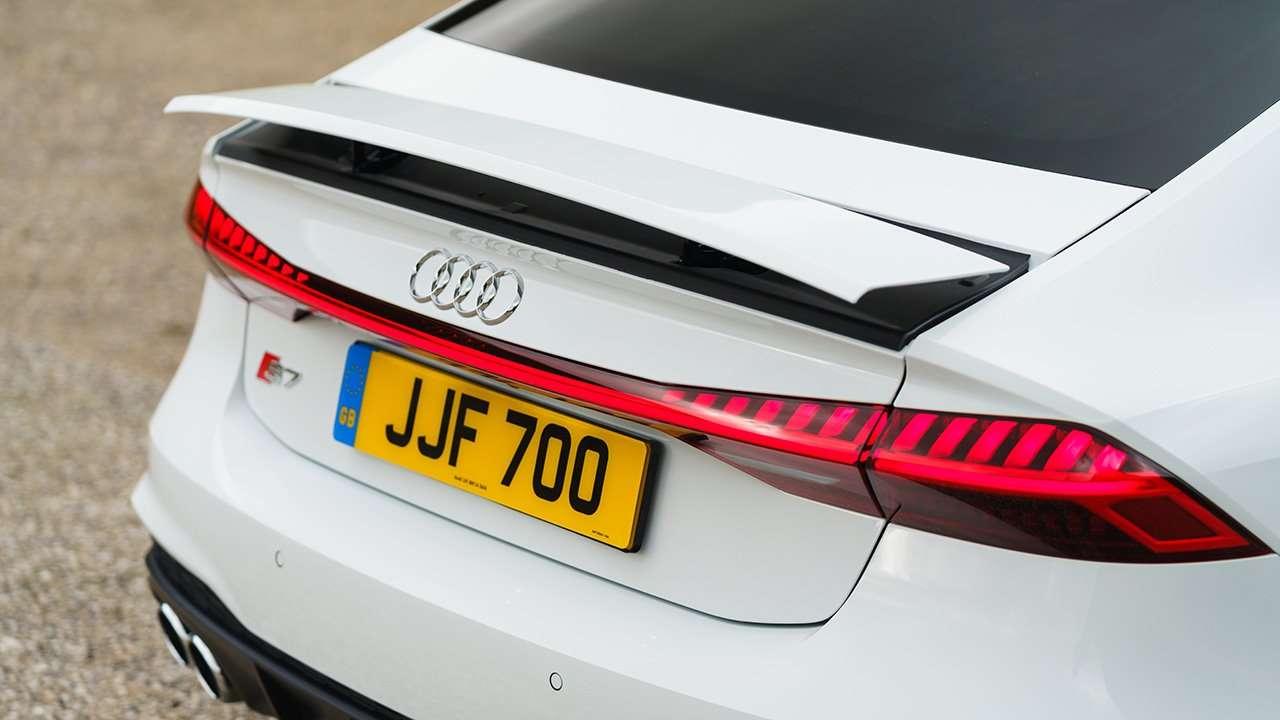 Задний спойлер Audi S7 4K