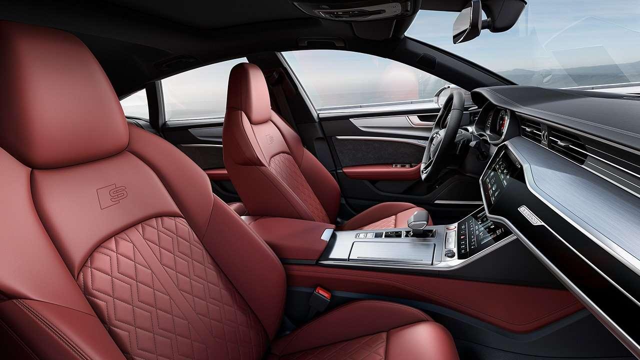 Передние сиденья новой Audi S7