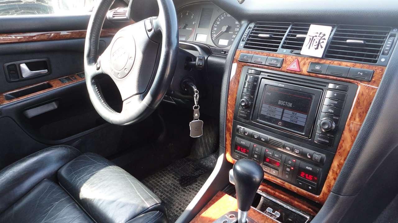 Audi S8 D2 мультимедиа