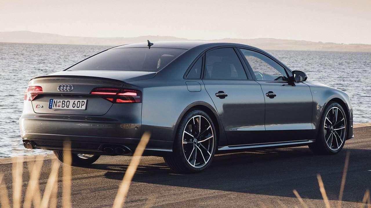 Audi S8 D4 2012-2017 фото сзади