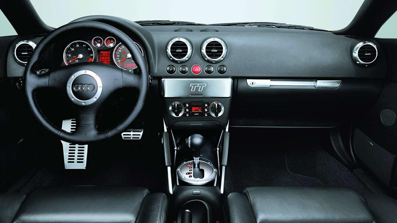 Audi TT 8N салон
