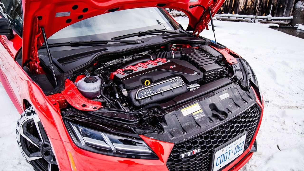 Фото двигателя Audi TT RS 2020-2021