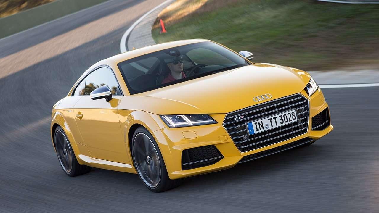 Audi TTS 2020-2021 фото спереди